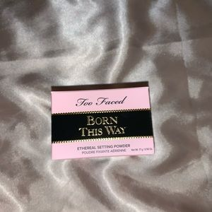 Too Faced Born This Way Translucent Setting Powder
